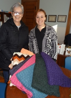Shawls for Alzheimer's Resource Service-Dec 2015 001 for web