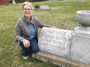 IMG_2345-J with Grandma II grave